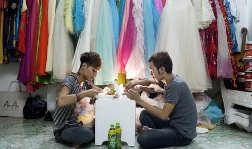 Hanoi, Thanh Hoa propose ban on same-sex marriage