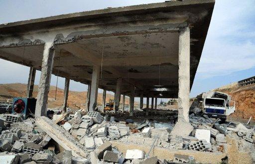 Israel raids on Syria killed at least 42 soldiers