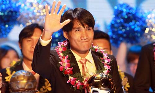 Quoc Anh, Kieu Trinh claim 2012 Golden Ball titles