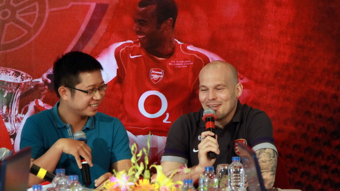 Ljungberg says moved by Vietnamese fans' amazing reception
