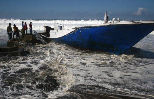 13 dead, dozens missing as boat sinks off Australia