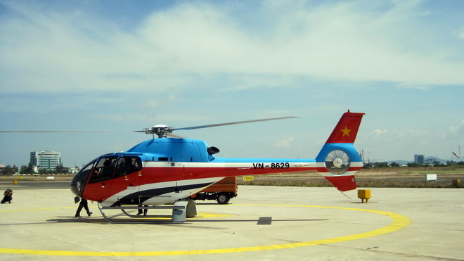 Vietnam mulls launching helicopter tourism