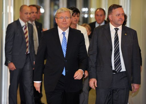 Former leader Rudd ousts Australia's first female PM