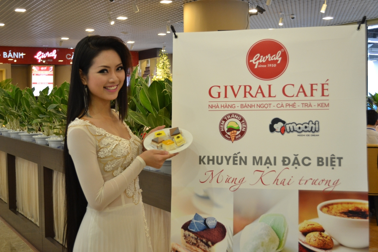 Givral Café opens its 2nd outlet in Vincom Megamall – Royal City Hanoi