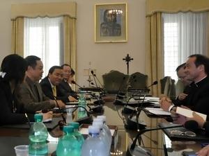 Vatican keen on promoting relations with Vietnam