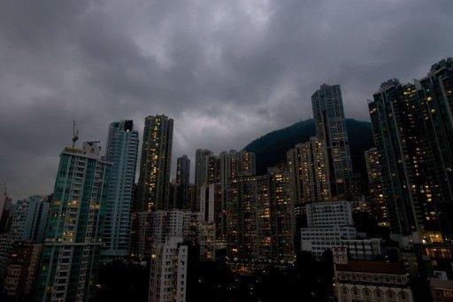 Flight chaos as Hong Kong hunkers down for major typhoon