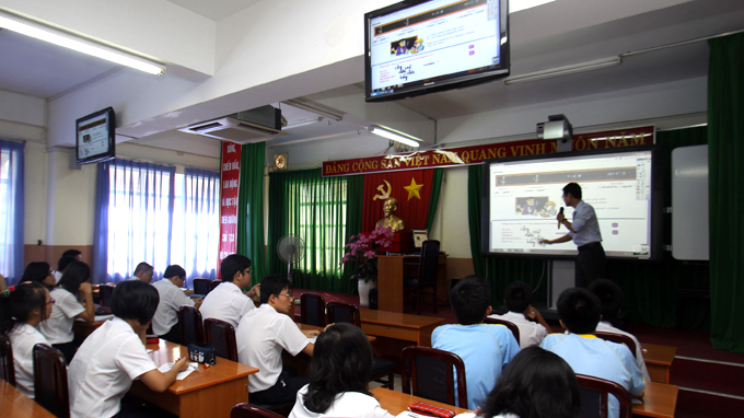 Vietnamese companies pay schools to sell smart boards