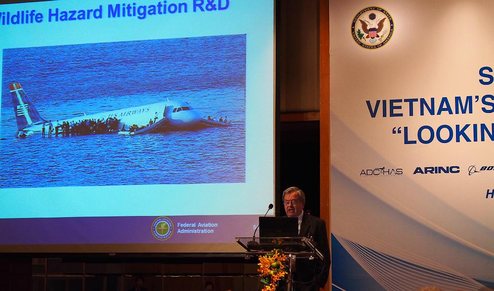 Vietnam, US eye increasing cooperation in aviation