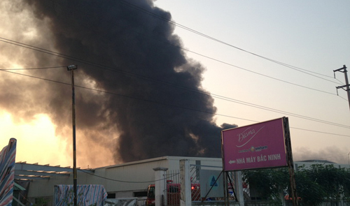 Fire blazes up at Diana diaper factory in northern Vietnam