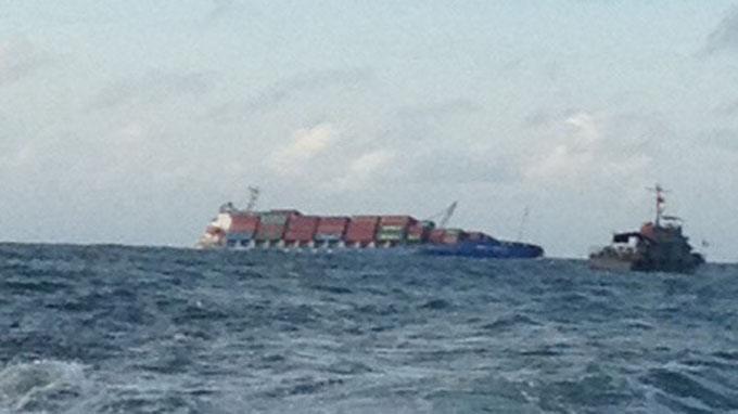 Foreign ship collision causes 19 sailors, 15 containers to fall into sea