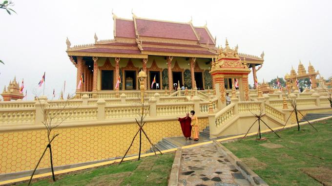 Khmer pagoda inaugurated in Hanoi
