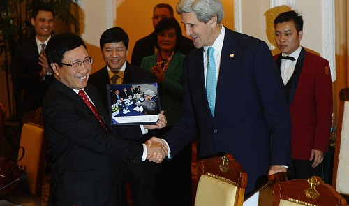 VN applauds US's assistance in maritime, TPP
