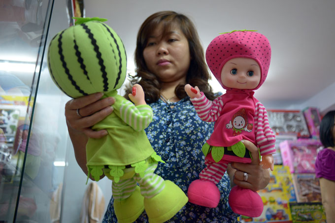 As Europe bans Chinese dolls, Vietnam just testing them