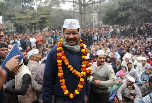 India anti-graft crusader hints at forming Delhi government