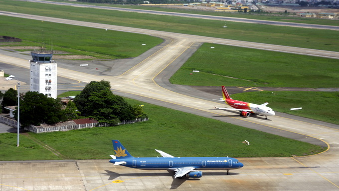 Tragic end for dog intruding on Vietnam airport