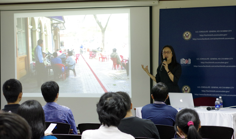 HCMC's sidewalk use should be model for urban communities: US professor
