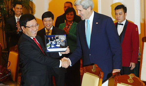 Vietnam to advance diplomacy for development in 2014
