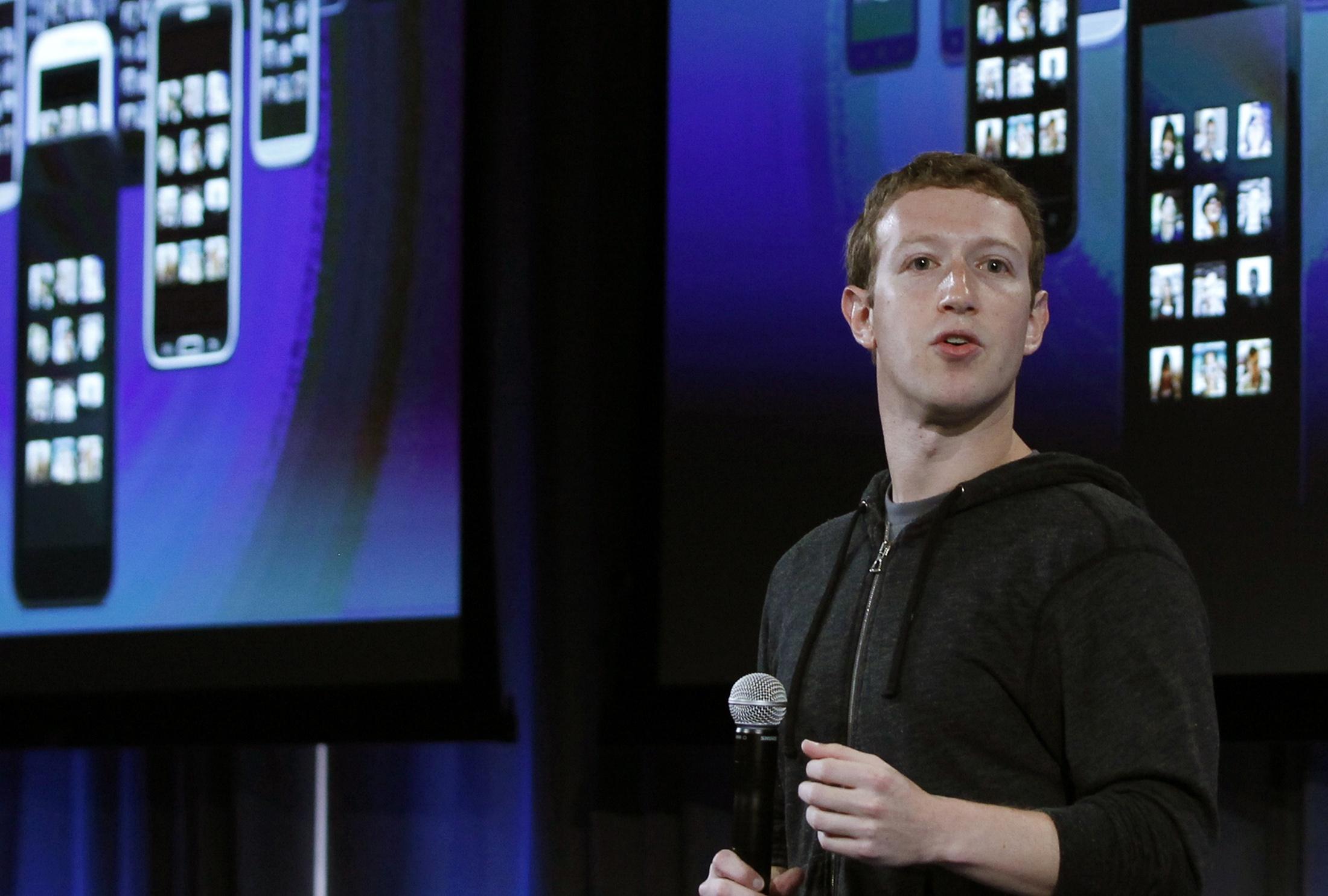 Zuckerberg says US government threat to Internet