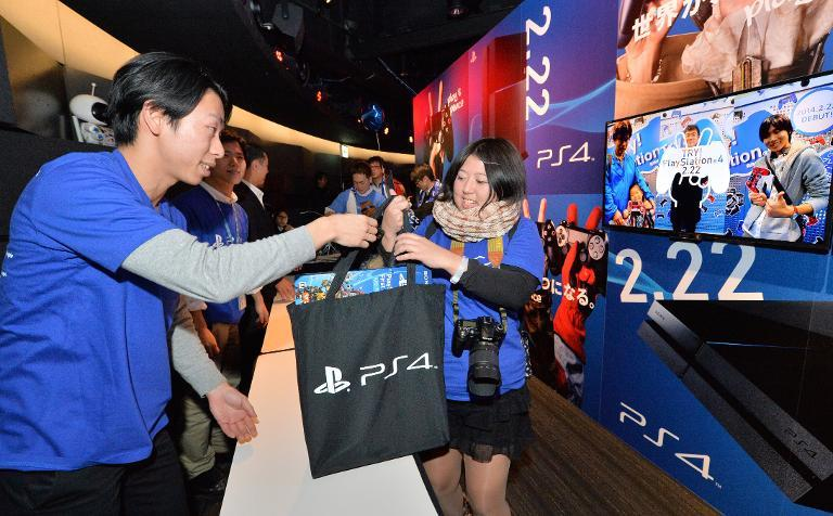 Japan gamers finally get PS4 at midnight launch