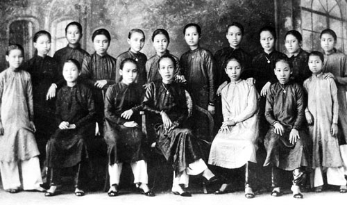 Female 'Đờn ca tài tử' band helps fight French colonialists