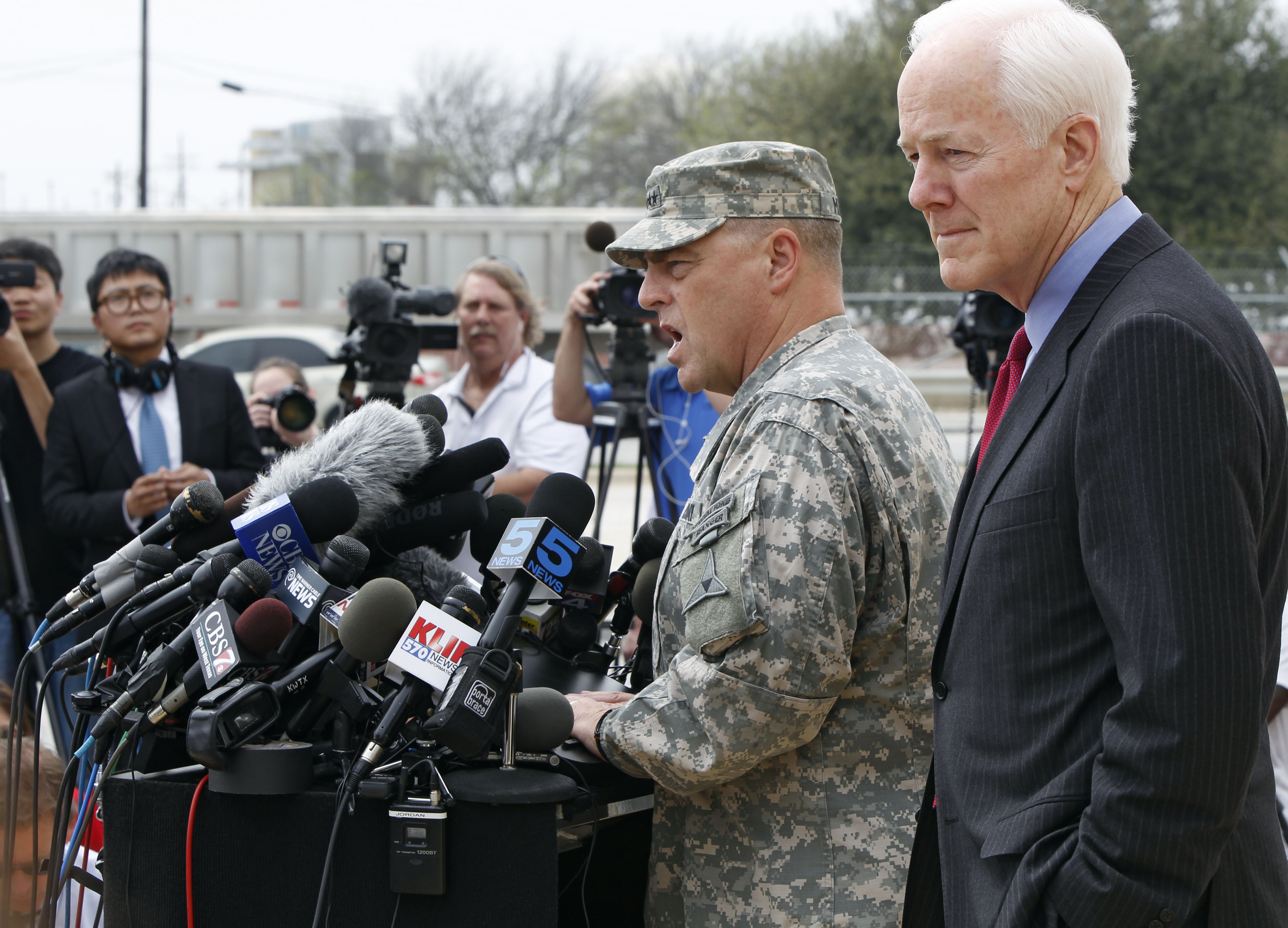 Signs of argument before US base shooting: commander