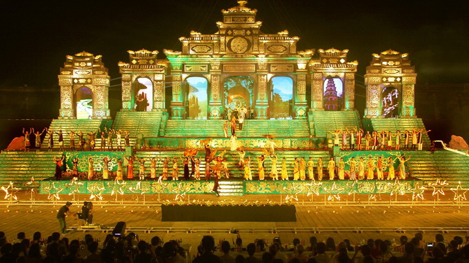 Over 21,600 foreigners flock to Vietnam's ongoing Hue Festival