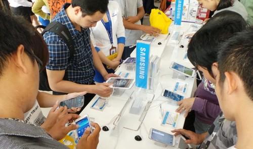 Smartphone, laptop dominate Vietnamese screen time: report