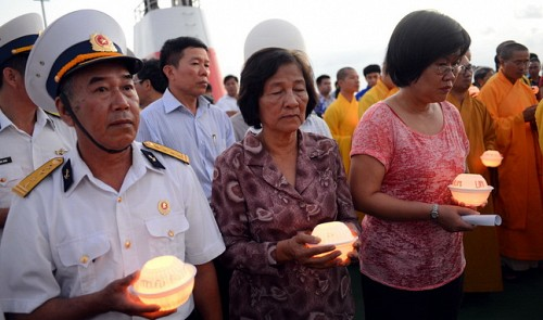 Vietnam holds memorial service for 64 Gac Ma heroes