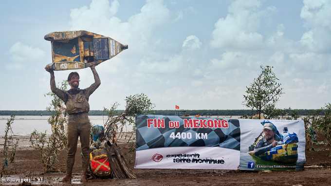 Frenchman crosses Mekong River on raft, conveys environment message