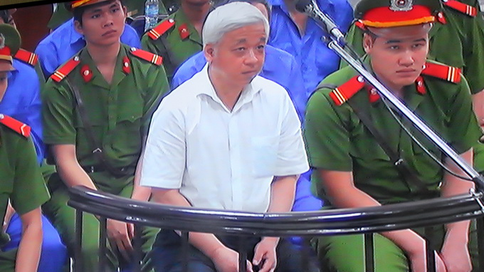 Vietnam banking tycoon given 30-year jail term