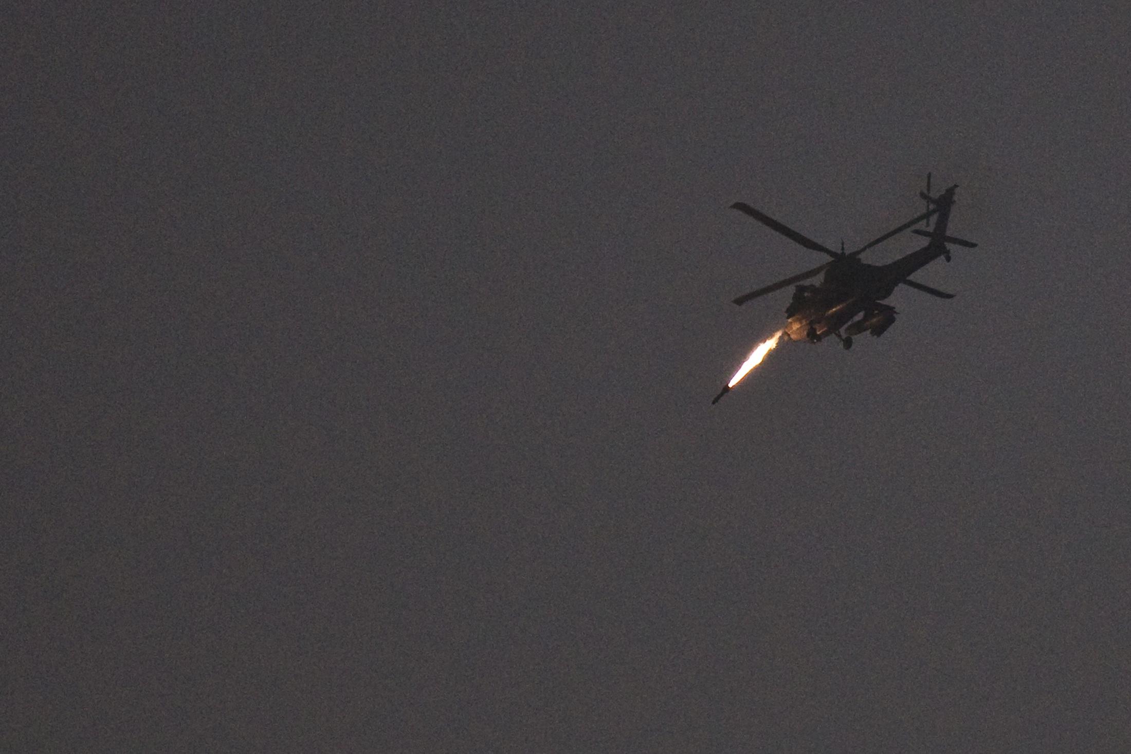 Airlines cancel Israel flights over Gaza rocket threat