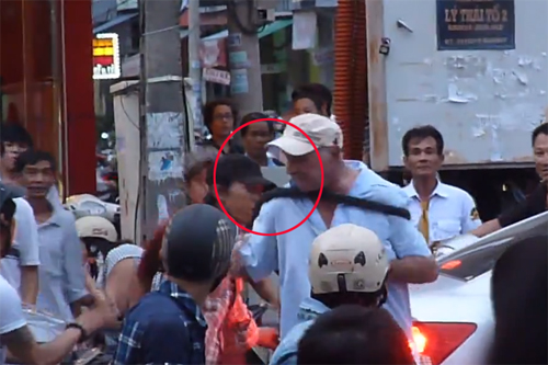 American, 68, attacked for allegedly causing public uproar in Da Nang