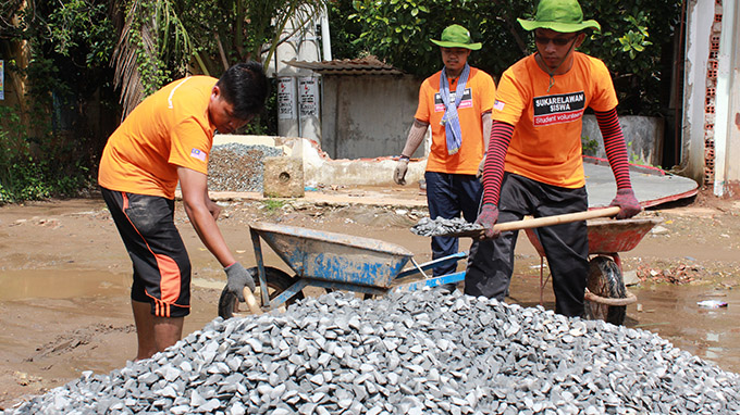 Malaysian students joining Vietnam volunteer program to teach English, build roads