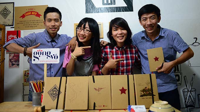 Young Vietnamese create handicrafts inspired by late local author's characters
