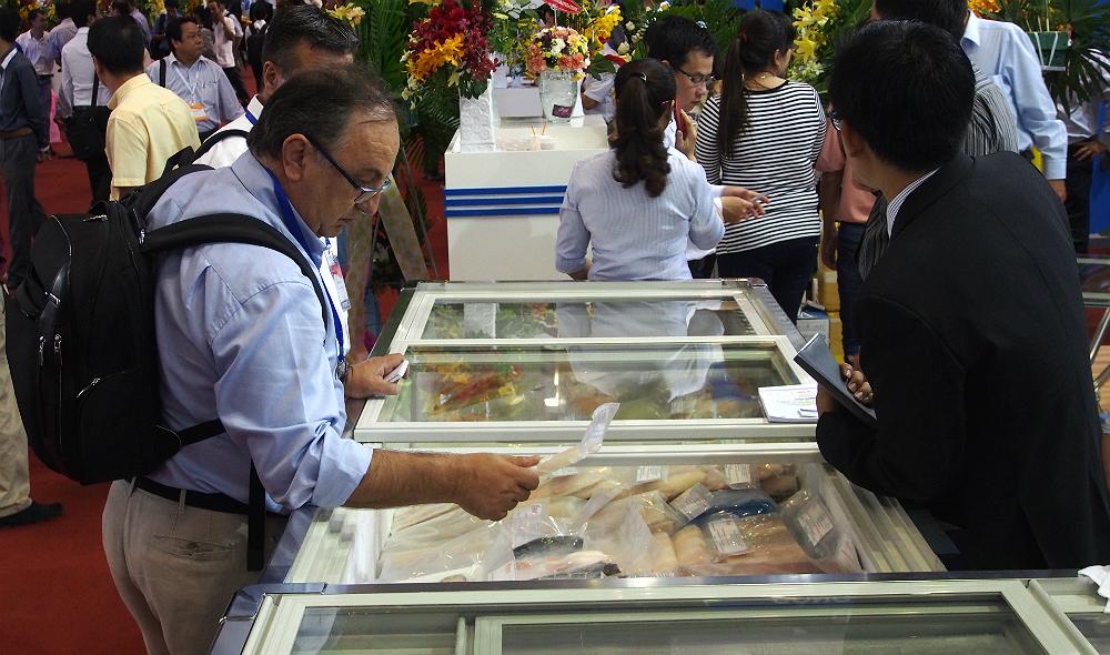 Dollar appreciation hurts Vietnam seafood export, eats into farmers' earnings