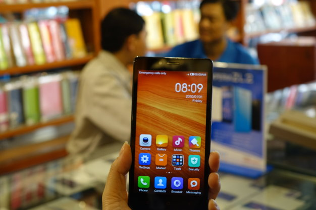 Vietnam security experts raise caution on Chinese smartphone privacy breach