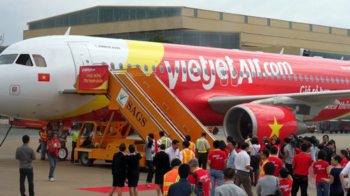 VietJet cancels flight after passenger used 3 oxygen cylinders