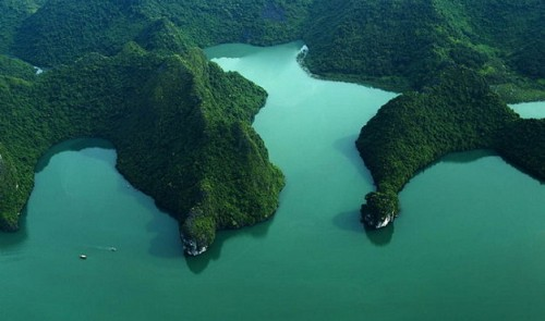 Photo contest marks 20th anniversary of UNESCO recognition of Vietnam's Ha Long Bay