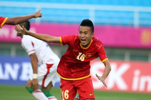 Vietnam thrash Iran 4-1 in shock win in Asian Games men's football