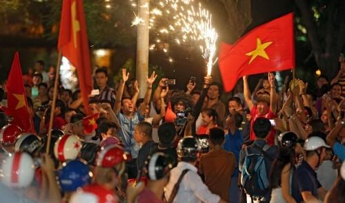 Vietnam basks in football glory after smashing Myanmar in U-19 semi