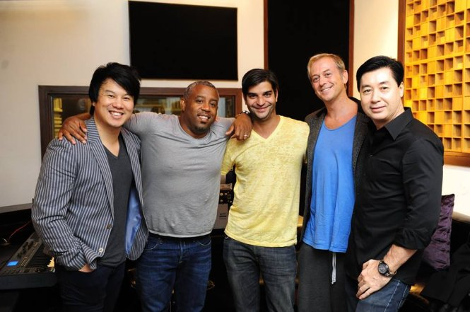 Composers of Jennifer Lopez's hits in Vietnam for music project
