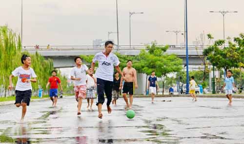 Vietnam teens devote more leisure time to cyberspace than reality: survey