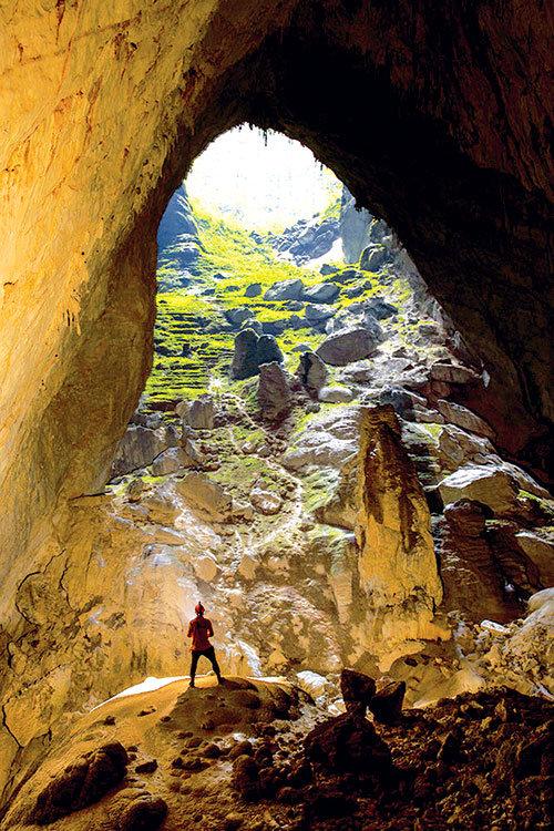 Vietnam tourism firms, officials cautious about Son Doong Cave cable car construction
