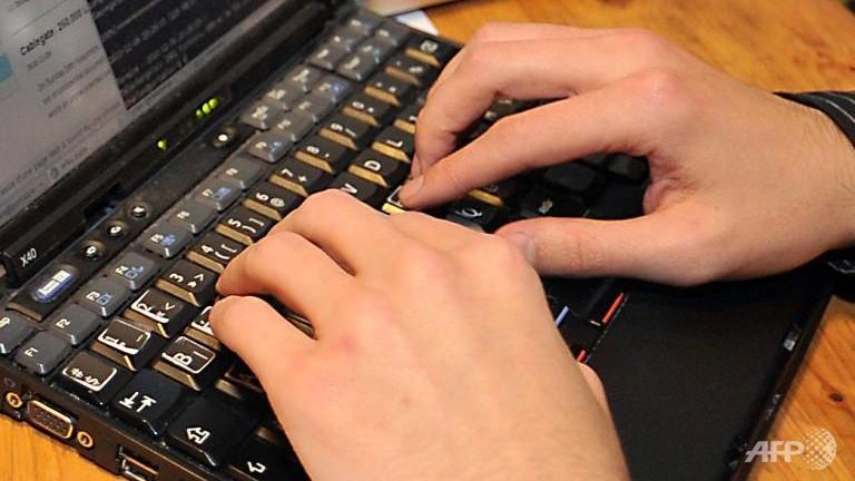 Google's Schmidt fears spying could 'break' Internet