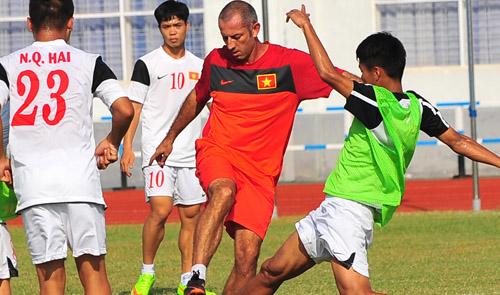 Vietnam upbeat before playing champions S.Korea in Asian U-19 opener