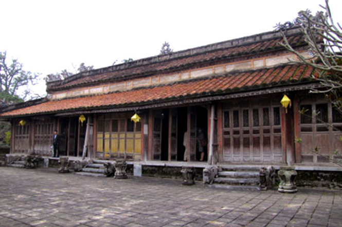 US provides $700k to restore royal temple in Vietnam