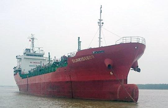 Hijacked Vietnamese tanker to arrive in Vung Tau tonight