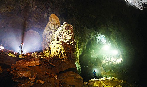 Experts concerned about potential cable car system's harm to Son Doong Cave