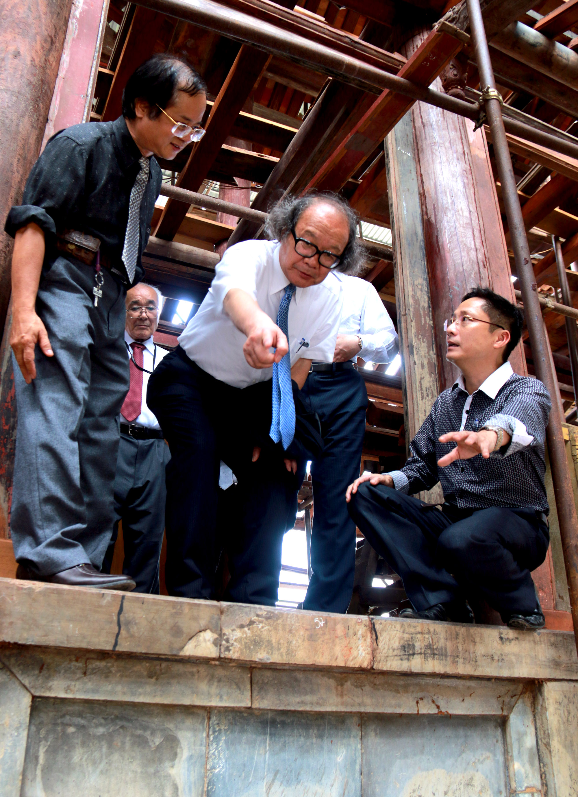 UNESCO chair warns Hue to take drastic preservation measures
