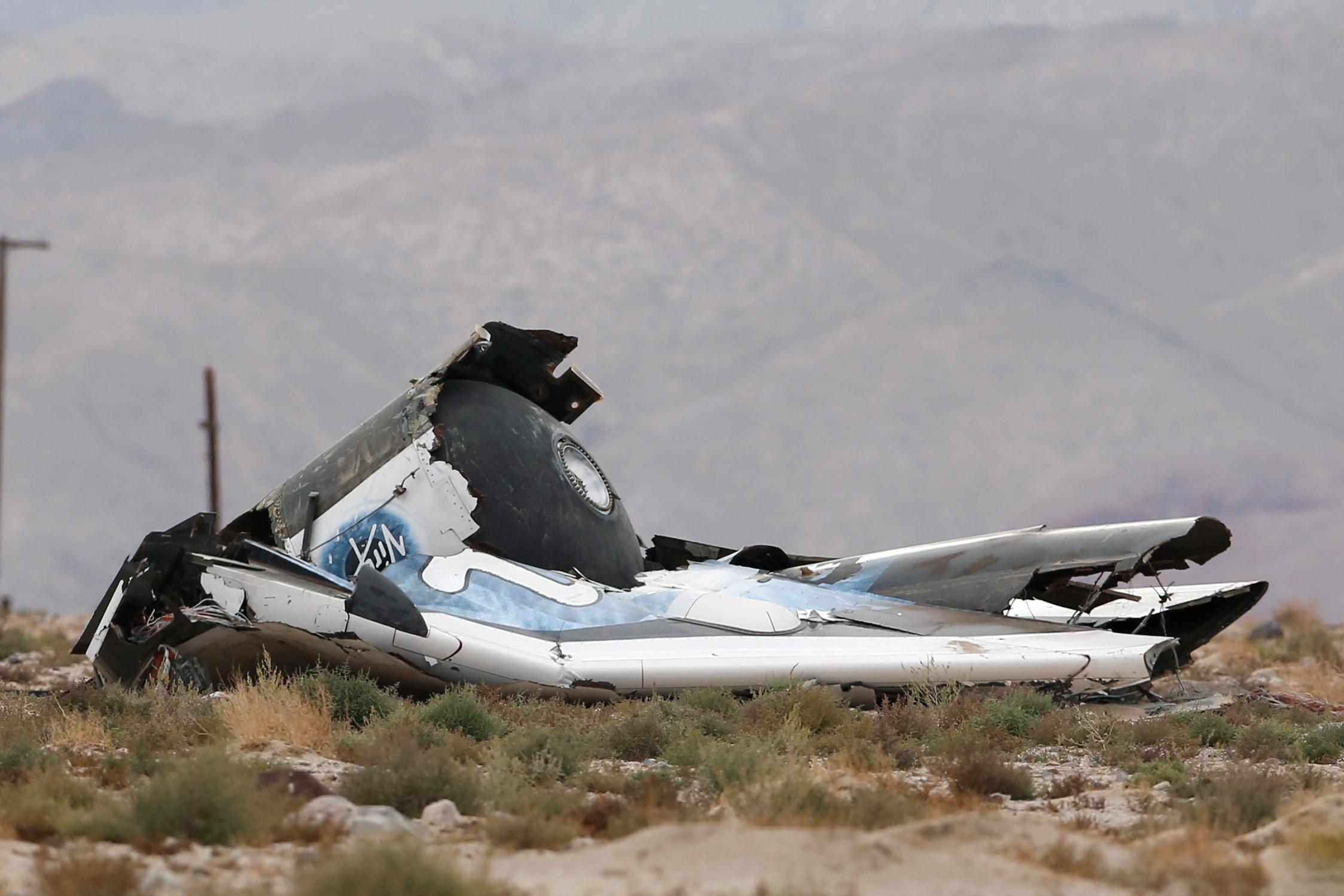 Test flight of Virgin Galactic spaceship ends in fatal crash in California
